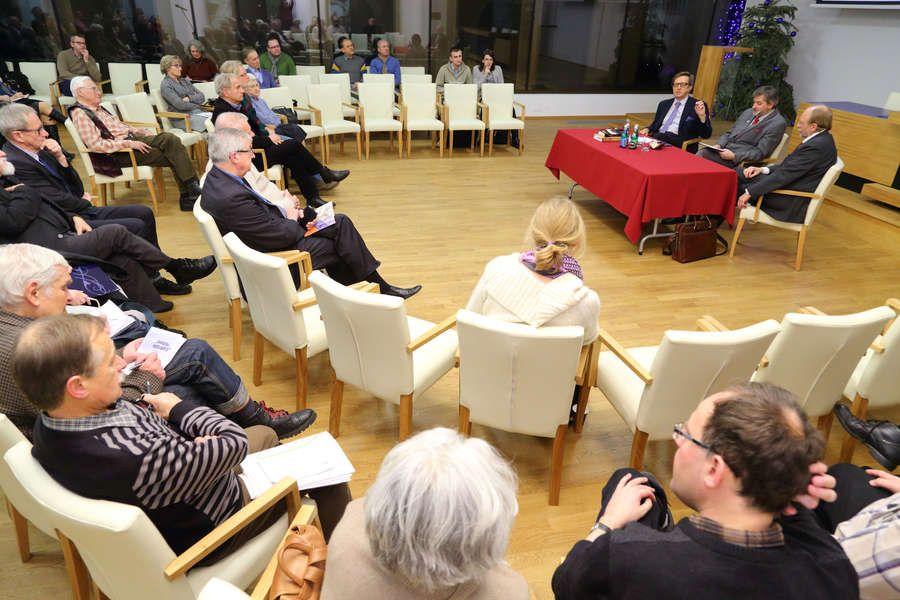 Fotografia z debaty Stańczycy_romantycy czy pozytywi-ści